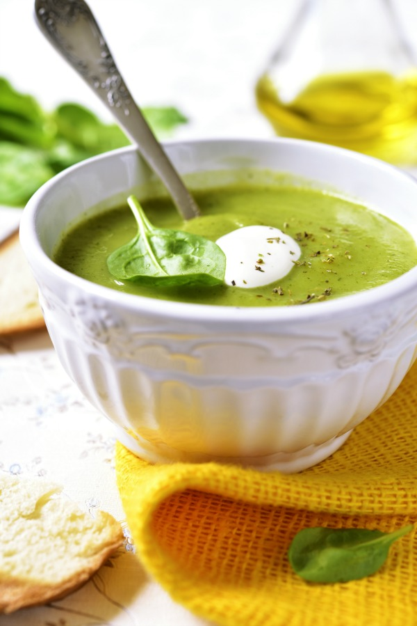 Dairy Free Zucchini Soup (Paleo, Whole30) - so creamy you won't believe it doesn't have dairy! Vegan option, too.