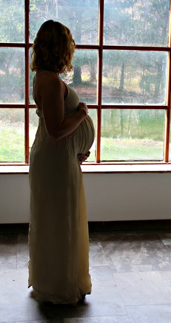 Kelly Winters Pregnant 28 weeks